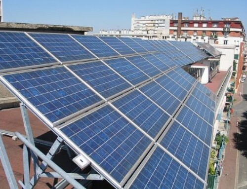 Priorité aux écoles pour développer les toitures photovoltaïques à Marseille