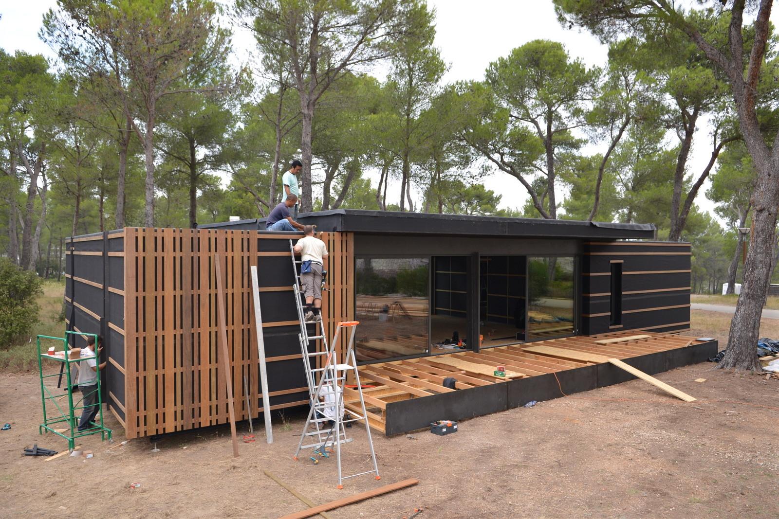Cette maison pas ch re se construit comme des lego en 1 mois massilia mundi - Maison prefabriquee pas chere ...